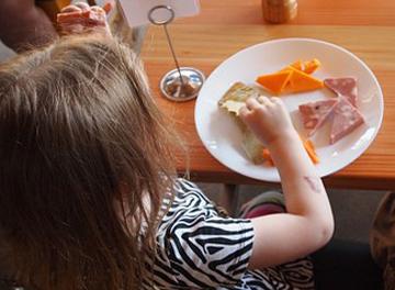Bimba a tavola - Certificazione per detrazione spese ristorazione scolastica