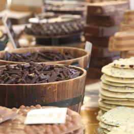 Immagine bancarella con cioccolato