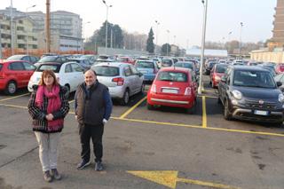 Lissone- Concettina Monguzzi, sindaco di Lissone  e  Marino Nava, assessore alla Città Vivibile nel nuovo «parcheggione» della stazione