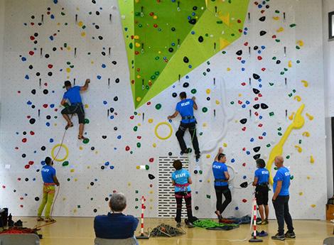 Lissone - Nuova parete di arrampicata nella Scuola Buonarroti