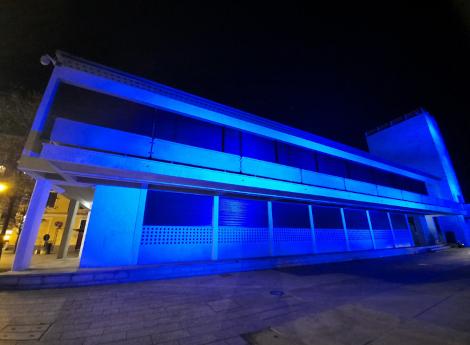 """""""Go Blue"""": Palazzo Terragni si colora di azzurro"""