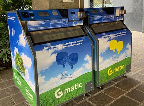Nuovi distributori automatici di sacchi presso il Municipio