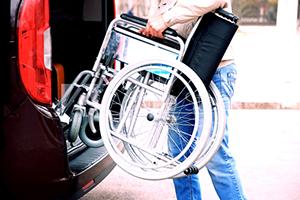 Immagine pulmino con sedia a rotelle
