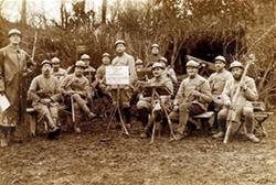 immagine soldati musicisti locandina