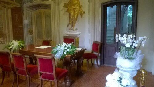 Foto Villa Baldironi Reati addobbata per un matrimonio